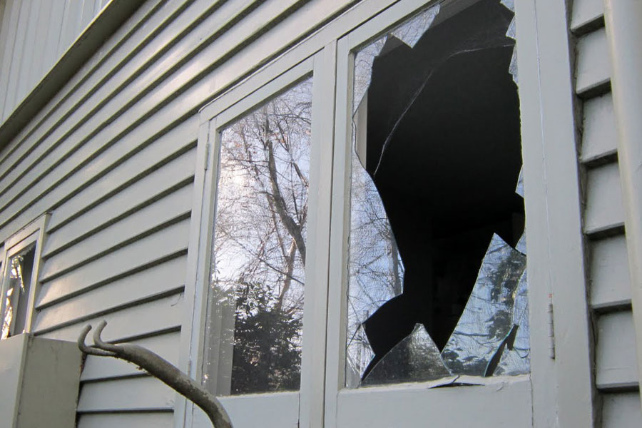 Broken Glass Window : Virginia glass windows best for commercial and
